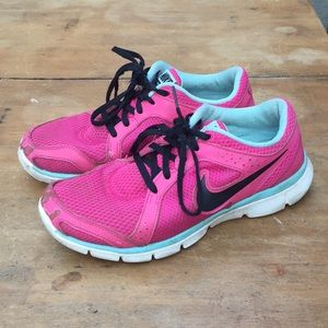 Pink Nike Tennis Shoes